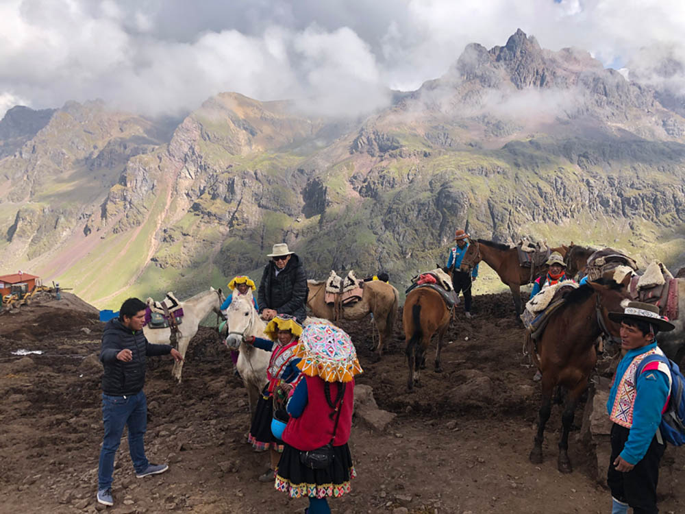 Perú la Montaña de los Siete Colores, Montaña Arcoíris, Montaña de Colores, Cerro Colorado, Vinicunca o Winikunka